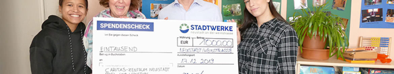 Spendenübergabe in der Spiel- und Lernstube des Caritas-Zentrums Neustadt