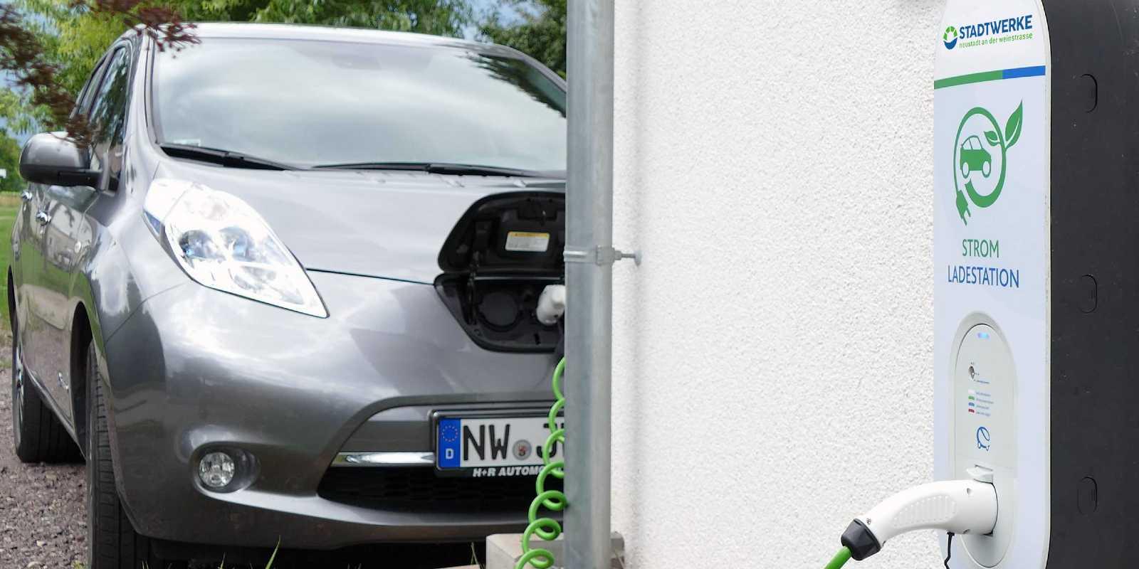 Stadtwerke Neustadt Service Kachel Elektromobilität Wallbox